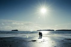You often hear Tofino locals say that October is the best month of the year. There's still a lot of sun before the November Rain, the crowds have all gone and the surf is starting to get better. Leisa and Ted couldn't have chosen a better day or place for their wedding at Middle Beach Lodge on…