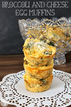Broccoli and cheese egg muffins are an easy, healthy breakfast food. They're great to make ahead of time, freezable, and a great grab-and-go breakfast. || via diybudgetgirl.com