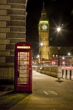 London Photos at Frommer's - While strolling Westminster I caught sight of this perfect English scene. The red phone booth in the shadow of Big Ben summed up the heart of London for me