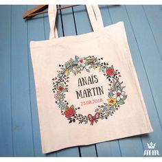 Tote bag mariage Bouquet champêtre idéal comme cadeau pour vos témoins, invités ou lors d'un enterrement de vie de jeune fille (EVJF)... Ce tote bag personnalisé est un souvenir original à conserver.