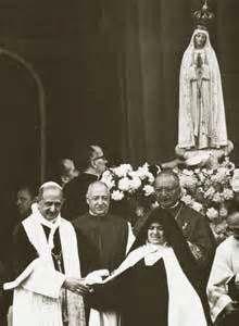 Servant of God Sr. Lucia dos Santos of Fatima with Pope Paul VI