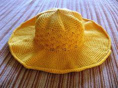#05 Floppy-Brim Hat by Linda Cyr