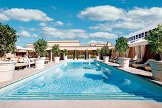 In the Spirit of Beverly Hills - Nancie Clare http://www.vogue.fr/voyages/a-lire/diaporama/beaux-livres-photo-de-l-amerique/15537/image/867516#!11