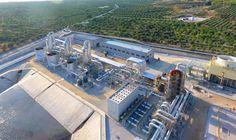 Zorlu Enerji, Kızıldere III Jeotermal Santralinin İlk Fazını Devreye Aldı Zorlu Enerji, Kızıldere III projesinin 99,5 MW kurulu güce sahip ilk ünitesini 320 Milyon Dolar yatırımla tamamladı. Denizli'nin Sarayköy ilçesinde hayata geçen projede ticari elektrik satışına başlandı. http://www.enerjicihaber.com/news.php?id=3135