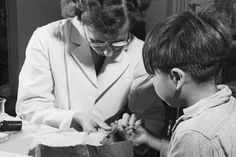 A nurse takes a blood sample from a boy at the Indian School, Port Alberni, B., in during the time when nutritional experiments were being conducted on students there and five other residential schools. THE CANADIAN PRESS/ho-Library and Archives Canada Canadian History, Us History, Women In History, History Channel, Aboriginal Children, Aboriginal People, Aboriginal Education, Indigenous Education, Native American Women