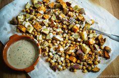 KNUSPERKABINETT: Season with salt and lemon tahini baked sweet potatoes and chickpeas Vegan Recipes, Snack Recipes, Vegan Food, Superfood, Tahini, Chana Masala, Sweet Potato, Potatoes, Vegetables