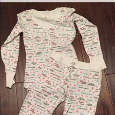 Victoria's Secret pajama set. Size medium. 2012 Fall collection. Victoria's Secret thermal long john pajama set with cute pocket on the back of the bottoms. This is a Hard to find VS pattern. New. Size medium. Adorable jammies. Victoria's Secret Intimates & Sleepwear Pajamas