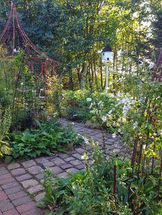 Fru Pedersens have: Anlæggelsen af den hvide have, og resultatet 3 år efter.