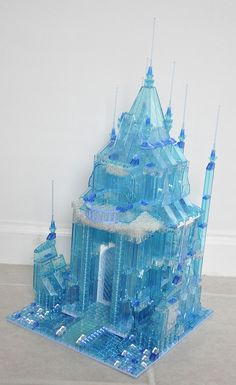 LEGO Ideas - Disney Elsa's Frozen Castle - I would so buy this! Frozen Castle, Elsa Frozen, Legos, Lego Christmas, Christmas Games, Lego Castle, Lego Disney Castle, Lego Sculptures, Amazing Lego Creations