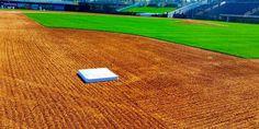 Perfection. #BaseballBegins Mariners Baseball, Baseball Guys, Cardinals Baseball, Baseball Field, Baseball Stuff, Lets Go Mets, Baseball Photography, Louisville Slugger, Sports Images