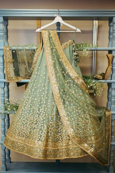 Looking for Bridal Lehenga for your wedding ? Dulhaniyaa curated the list of Best Bridal Wear Store with variety of Bridal Lehenga with their prices Sabyasachi Lehenga Bridal, Lehenga Gown, Indian Bridal Lehenga, Indian Bridal Outfits, Bridal Dresses, Lehnga Dress, Net Lehenga, Saree Blouse, Indian Dresses