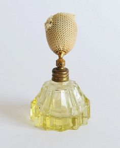 ART DECO - MADE IN AUSTRIA 1930S - ESQUISITE YELLOW GLASS PERFUME BOTTLE & PUMP