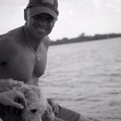 Kenny Chesney- LOVE this pic = )
