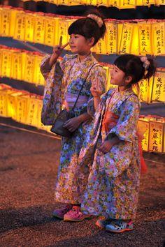 Yukata girls, Mitama Festival at Yasukuni Shrine