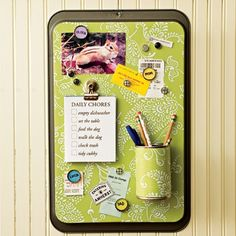 Metal baking tray makes it magnetic. How fun!