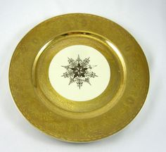 Syracuse China Plate Old Ivory Heavy Gold Encrusted Rim Medallion Design Vintage #SyracuseChina