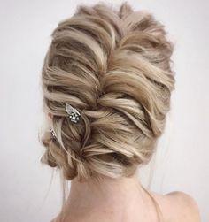 Beautiful loose braided updo hairstyles, upstyles, elegant updo ,chignon ,bridal updo hairstyles ,updo hairstyles,wedding hairstyle #weddinghairstyles #updos #bridehair