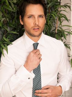 Peter Facinelli - inspiration for my doctor werewolf. ;)