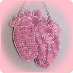 Large Baby Feet Applique - Free machine embroidery designs - Kreative Kiwi