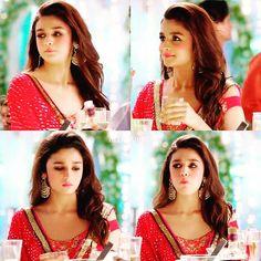 nai why i'll do that or ajj tera liya hi story dala ha maina dekh la na Alia Bhatt Varun Dhawan, Alia Bhatt Photoshoot, Beauty Redefined, Aalia Bhatt, Alia Bhatt Cute, Alia And Varun, Bollywood Actors, Bollywood Fashion, Girls Dpz