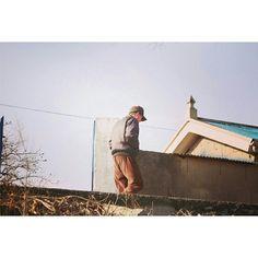 by_chohee / #전라남도#할머니댁#시골#풍경#감성#오후 / 전라남 / #골목 #지붕 #사람 #하늘 /  2013 12 30 /