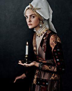 Caroline Trentini for Vogue Japan October 2015: ru_glamour