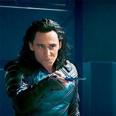 Marvel, tom hiddleston, and loki image Loki Marvel, Loki Thor, Loki Avengers, Marvel Comics, Loki Laufeyson, Thomas William Hiddleston, Tom Hiddleston Loki, Bucky Barnes, Wattpad