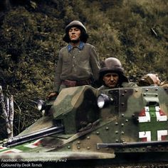 Hungarian tank crew emerges from the turret during a mopping up operation against bands of partisans in the Cherkasy area. Ukraine, September 1941 - pin by Paolo Marzioli Ww2 Photos, Ww2 Tanks, Korean War, Panzer, Armored Vehicles, War Machine, Armed Forces, World War Two, Military Vehicles