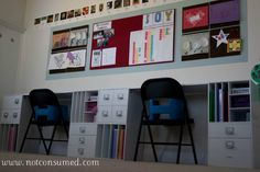 Looking for ideas for your homeschool room? Check out how these moms organize their homeschool rooms and use the space they have available! Scrapbook Organization, Desk Organization, Classroom Organization, Organizing School, Organizing Crafts, Scrapbook Storage, Homeschool Kindergarten, Homeschooling Resources, Preschool
