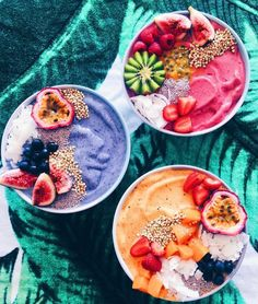 Tropical Acai Bowl Acai bowls have supplanted kale chips as the health food worlds biggest nutritional darling. The post Tropical Acai Bowl appeared first on Star Elite. Comidas Fitness, Food Goals, Aesthetic Food, Superfood, Smoothie Recipes, Vegan Smoothies, Smoothie Bowls Vegan, Acai Smoothie, Food Inspiration