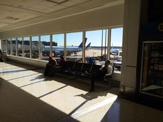 Thanksgiving means airports means chances to see ETS in various settings, such as here, in George Bush's Houston Airport