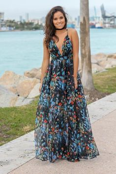Get this pretty Navy Floral Maxi Dress with Criss Cross Back from Saved by the Dress Boutique. This maxi dress features fabulous floral print with criss cross back detail. Beautiful Maxi Dresses, Cute Dresses, Casual Dresses, Short Dresses, Fashion Dresses, Summer Dresses, Mini Dresses, Navy Floral Maxi Dress, Floral High Low Dress