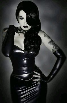Makes me think of a Gothic Jessica Rabbit.