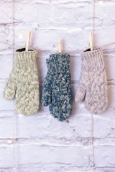 Bring cozy cuteness to any outfit with the marled wool magic of the cable knit Finley mittens. Super-soft fleece lining lets you enjoy the warmth of wool without the itch! Bohemian Hair Accessories, Bohemian Hairstyles, Unique Purses, Scarf Styles, Cable Knit, Mittens, Blues, Artisan, Teal