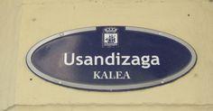 La calle Usandizaga del barrio de Gros toma el nombre de un conocido músico y compositor de la ciudad, nacido en 1887 y fallecido en 1915. El restaurante Aitzgorri se encuentra en el número 20. #donostia #gros #usandizag #street #calle