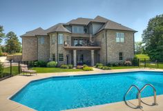 pool and house <3