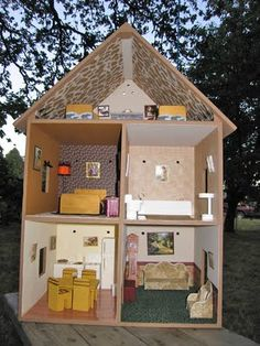 Dollhouse Decorating!: A completed playable lighted wooden doll house...