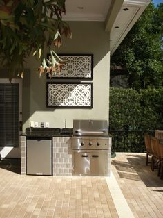 small outdoor kitchens Patio Modern with Outdoor art outdoor grill Small Outdoor Kitchens, Kitchen Plans, Small Space Kitchen, Kitchen Designs Layout, Built In Grill, Outdoor Kitchen Appliances, Kitchen Design, Outdoor Kitchen, Outdoor Kitchen Plans