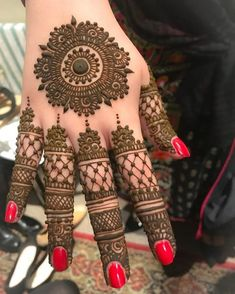 Trendy and stunning 140 finger mehndi designs for 2020 brides! Circle Mehndi Designs, Round Mehndi Design, New Bridal Mehndi Designs, Latest Arabic Mehndi Designs, Mehndi Designs Book, Back Hand Mehndi Designs, Finger Henna Designs, Mehndi Designs For Girls, Mehndi Designs For Beginners