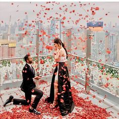 We are short for words to describe this incredible proposal idea Double… – All Pictures Star Wedding, Dream Wedding, Wedding Day, Romantic Proposal, Romantic Couples, Wedding Proposals, Marriage Proposals, Couple Photoshoot Poses, Wedding Photoshoot