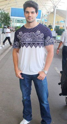 Sooraj Pancholi at the Mumbai airport. #Bollywood #Fashion #Style #Handsome
