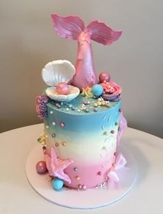 Like the tail and the clam shell Little Mermaid Cakes, Mermaid Birthday Cakes, Little Mermaid Birthday, Little Girl Birthday Cakes, Barbie Birthday Cake, Pretty Cakes, Cute Cakes, Beautiful Cakes, Barbie Torte