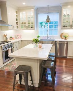 4 Tips For Kitchen Remodeling In Your Home Renovation Project – Home Dcorz Diy Kitchen Island, Kitchen On A Budget, Kitchen Redo, New Kitchen, Kitchen Dining, Kitchen Remodel, Kitchen Cabinets, Funny Kitchen, Kitchen White