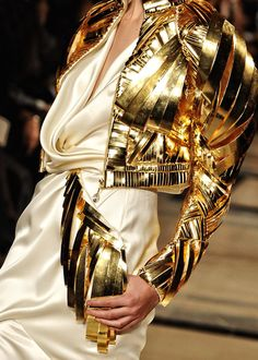 NOT ORDINARY FASHION Stephane Rolland 2011