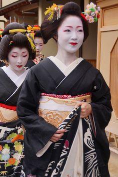 京都の花(宮川町)Kimono, Kyoto, Japan by nobuflickr