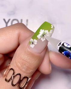 Gel Nail Art Designs, Nail Art Designs Videos, Black Nail Designs, Rose Nail Art, Floral Nail Art, Beauty Hacks Nails, Nail Art Hacks, Acrylic Dip Nails, Nail Art Stencils