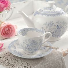 Tea Pot, cup and saucer Tea Cup Saucer, Tea Cups, Cuppa Tea, Teapots And Cups, Fun Cup, My Cup Of Tea, Tea Service, Chocolate Pots, Coffee Set