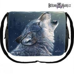 Taška z kvalitního materiálu přes rameno s pěti kapsami a potiskem vlka.