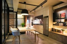 Holland Avenue - www.facebook.com/uberdesignhouse