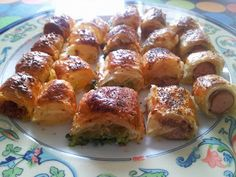 Surtido de canapés salados Tapas, Finger Foods, Salad Recipes, Catering, French Toast, Muffin, Yummy Food, Snacks, Breakfast
